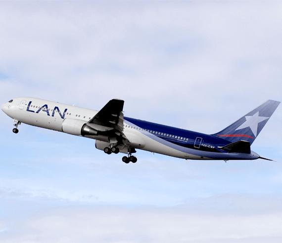 Avión de la compañia aerea LAN